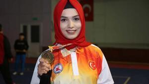 CÜlü Burçin dünya şampiyonu oldu