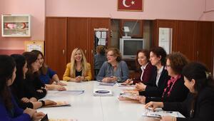 'Çiçek okul'un 12 öğretmeni kadın