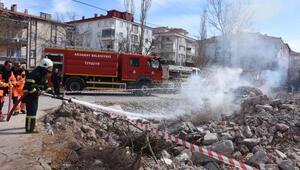 Aksaray'da yapılan deprem tatbikatı gerçeğini aratmadı