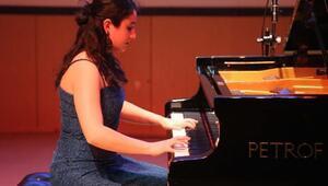 CÜde piyano konseri