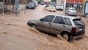 Bodrumda şiddetli yağış su baskınlarına neden oldu
