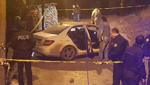 Ankarada kalaşnikofla otomobil taradılar 2 ölü var...