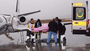 Oksijen tüpü patlamasında yaralanan doktor Ankaraya sevkedildi