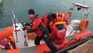Burhaniyede denizde yaralı kurtarma tatbikatı