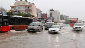 Antalyada sağanak manzarası