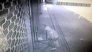 Market hırsızları kameraya yakalandı