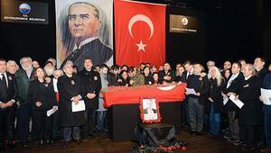 Türk Halk Müziği sanatçısı Emre Saltık son yolculuğuna uğurlandı