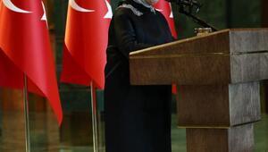 Emine Erdoğan, Türkiye'nin tanınmış işkadınları, kadın sanatçı ve sporcularını kabul etti (2) - yeniden