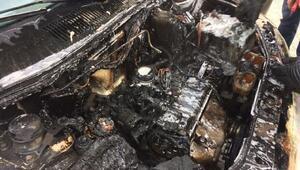 Adıyamanda, park halindeki otomobil yandı