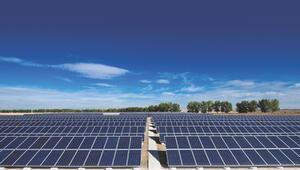 Türkiye'nin en büyük güneş santrali için 4 teklif geldi