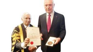 Prof. Haberal'a büyük onur
