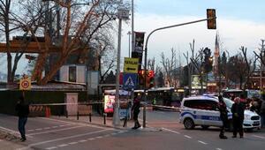 Beşiktaşta otobüs duraklarına bırakılan çanta fünyeyle patlatıldı