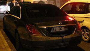 Ünlü iş adamının lüks aracını otelin önünden çaldılar