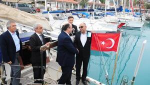 Yabancı bayraklı yata Türk bayrağı