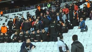 Olympiakos taraftarı Vodafone Arenada..