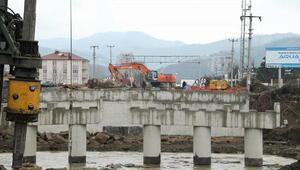 Selden yıkılan Akçaova köprüsü Nisan'da trafiğe açılacak