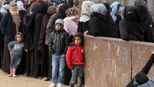 Yemen açıklarında mülteci teknesine saldırı: En az 31 ölü