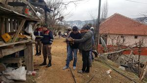 Kumlucada 8 ev heyelandan yıkıldı