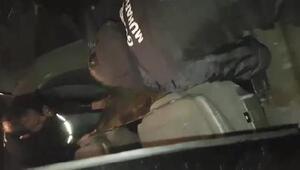 Sınır kapısında otomobilin gizli bölmesinde yakalandı