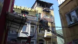 Beyoğlunda yangın Üç çocuk hayatını kaybetti