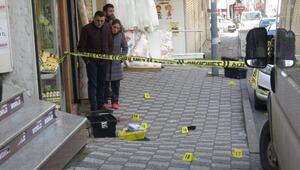 ek fotoğraflar//Ataşehirde kuyumcuya soygun girişimi; 2 yaralı