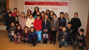 İlkokul öğrencileri Gıda bankasını gezdi