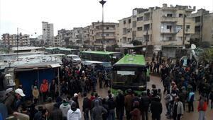 Yüzlerce kişi yollara döküldü... Humusta tahliyeler başladı