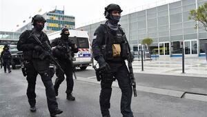 Pariste iki saldırı birden Saldırgan aynı kişi çıktı