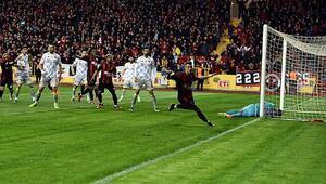 Eskişehirspor: 4 - Göztepe: 0