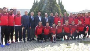 MKÜ Futsal Takımı Süper Lige çıktı