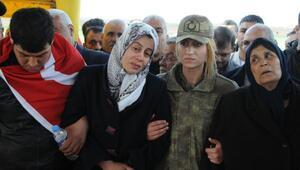 Şehit Yüzbaşının cenazesi Gaziantepte (2)