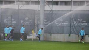A Milli Futbol Takımı Antalyada ilk antrenmanını yaptı