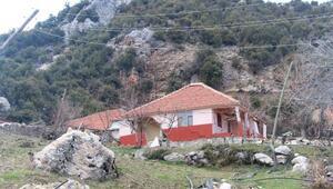 Kumlucada heyelan nedeniyle 12 ev boşaltıldı