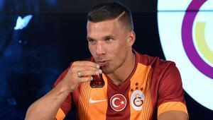 Bakın Podolski nerede görüntülendi!..