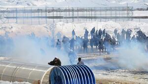 Yüksekova'daki nevruzda 'Apo' sloganına polis madahalesi