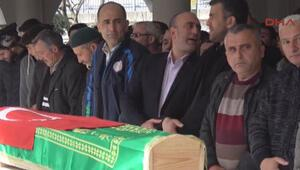 Derste arkadaşı tarafından bıçaklanan öldürülen Emir Taş toprağa verildi