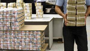 Hazine 843,7 milyon lira borçlandı