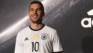 Podolski, Almanya Milli Takımına veda ediyor