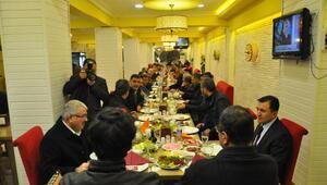 Akdoğan'dan tayin olan komutana yemek