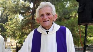 Mersinde Katoliklerin ruhani reisi son yolculuğuna uğurlandı