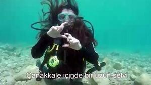 Sualtında işaret diliyle Çanakkale Türküsünü seslendirdiler