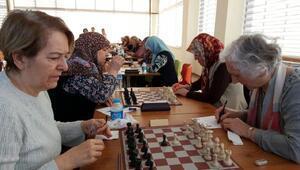 Çanakkalede satrancın kıdemlileri yarıştı