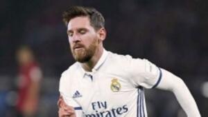 İspanyada olay Lionel Messi Real Madrid formasıyla...