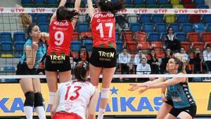 Karşıyaka-Pursaklar Voleybol İhtisas: 0-3
