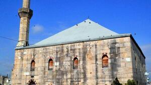 Batı Trakyadaki tarihi cami, yangında kullanılmaz hale geldi