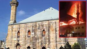 Osmanlı camisinde yangın