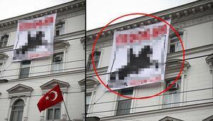 Viyanada Türk Büyükelçiliği'ne çirkin pankart
