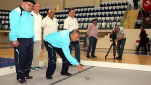 Yaşlılar bocce turnuvasında şampiyon Isparta