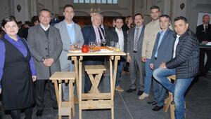 Krize giren kiliseye Türkler de yardım etti