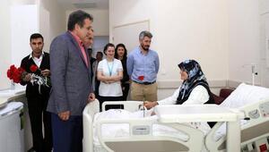 Genel sekreterden hastalara ziyaret